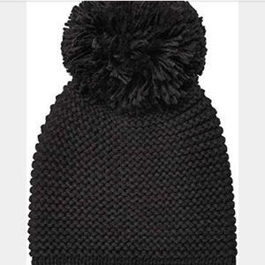 Ugg Chunky Knit Beanie with Yarn Pom Wool Blend
